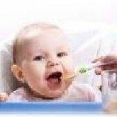 Що повинен уміти дитина в 5 місяців