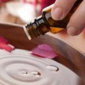 Які масла корисні для нігтів
