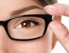 Що краще - окуляри чи контактні лінзи?