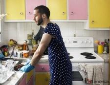 Як залучити чоловіка до прибирання по будинку?